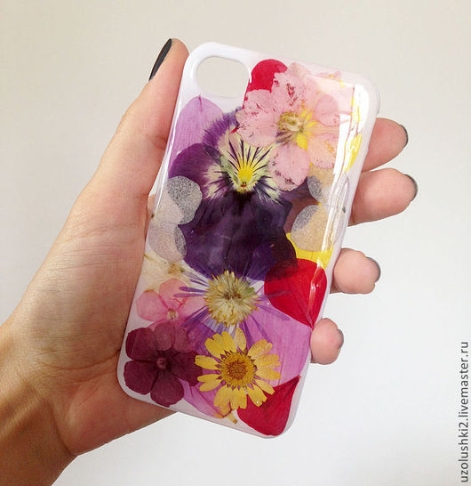 Для телефонов ручной работы. Ярмарка Мастеров - ручная работа. Купить Чехол для iPhone с засушенными цветами. Handmade. Цветочный