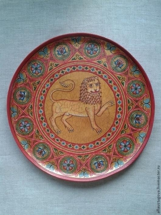 """Посуда ручной работы. Ярмарка Мастеров - ручная работа. Купить Тарелка старинная """"Лев"""". Handmade. Лев, тарелка из дерева"""