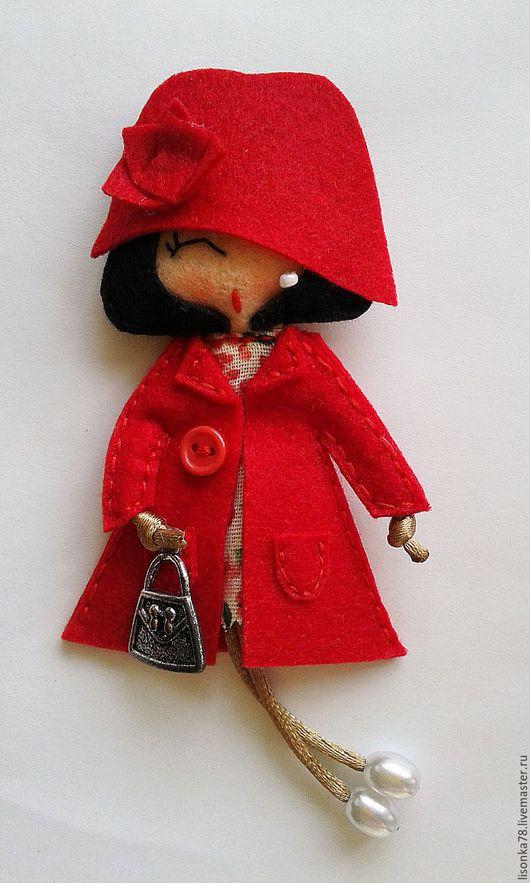 Броши ручной работы. Ярмарка Мастеров - ручная работа. Купить Брошь-куколка из фетра. Handmade. Ярко-красный, брошка кукла