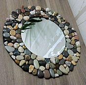 Зеркала ручной работы. Ярмарка Мастеров - ручная работа Зеркало с рамой из гальки. Handmade.