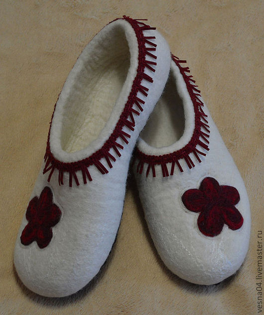 """Обувь ручной работы. Ярмарка Мастеров - ручная работа. Купить Валяные вручную тапочки """" Майя """"100% шерсть. Handmade."""
