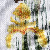 Картины и панно ручной работы. Ярмарка Мастеров - ручная работа Желтые ирисы, вышитая картина, луговые цветы, полевые цветы и травы. Handmade.