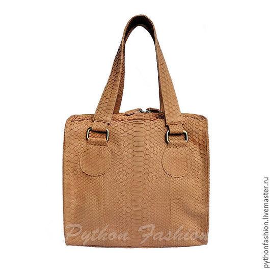 Сумка из кожи питона. Дизайнерская женская сумка из кожи питона. Модная питоновая сумка на заказ. Красивая сумка из кожи питона. Авторская сумка ручной работы. Оригинальная сумка из питона на плечо.