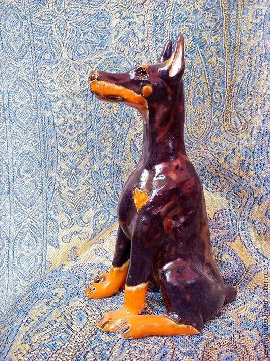 Статуэтки ручной работы. Ярмарка Мастеров - ручная работа. Купить Статуэтка собаки породы Доберман. Handmade. Коричневый, отличный подарок