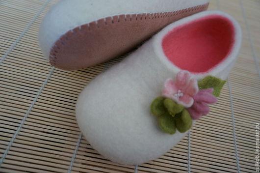 Обувь ручной работы. Ярмарка Мастеров - ручная работа. Купить Тапочки войлочные. Handmade. Розовый, войлок