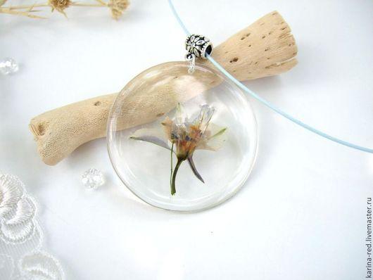 Кулоны, подвески ручной работы. Ярмарка Мастеров - ручная работа. Купить Прозрачный Кулон с Настоящими Цветами и Листьями Белый Голубой Цветок. Handmade.
