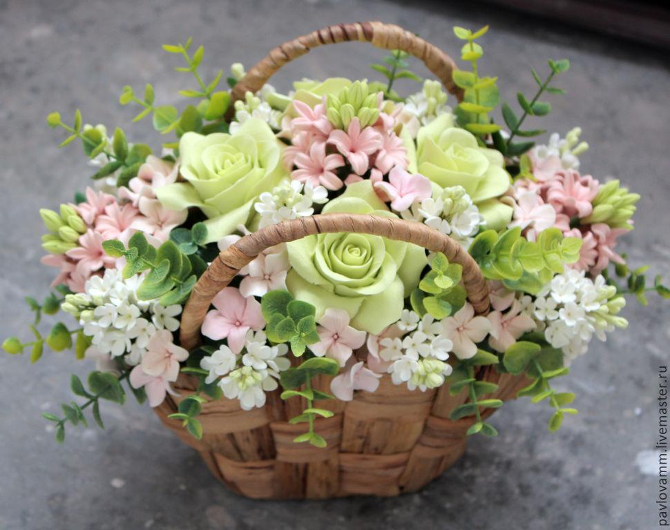 Цветы в корзинах недорого