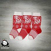 Носки ручной работы. Ярмарка Мастеров - ручная работа Новогодние носки. Handmade.