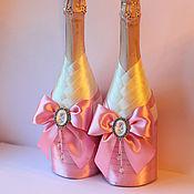 Свадебный салон ручной работы. Ярмарка Мастеров - ручная работа Свадебные бутылки  с именными брошами  в розовом цвете - 2 шт. Handmade.