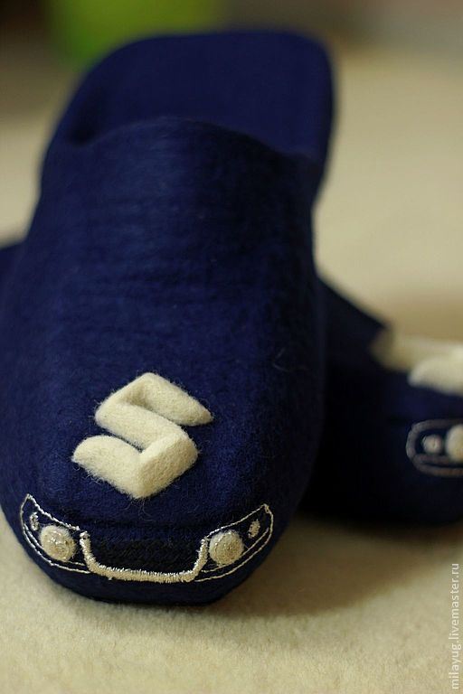 """Обувь ручной работы. Ярмарка Мастеров - ручная работа. Купить """"SUZUKI"""" мужские валяные тапочки. Handmade. Тёмно-синий, транспорт"""