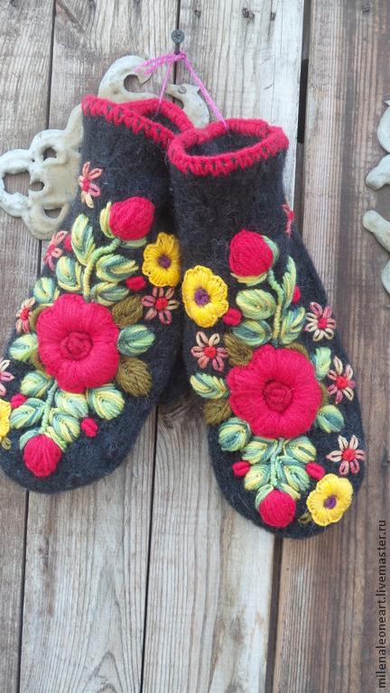 Варежки, митенки, перчатки ручной работы. Ярмарка Мастеров - ручная работа. Купить Варежки с объемной вышивкой  Алая роза. Handmade.