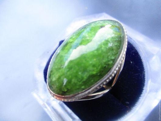 """Кольца ручной работы. Ярмарка Мастеров - ручная работа. Купить кольцо """"Зеленые луга"""" цена 2500 сфен натуральный. Handmade."""