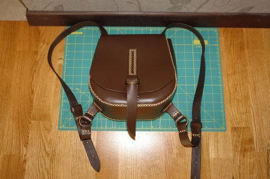 Рюкзаки ручной работы. Ярмарка Мастеров - ручная работа. Купить Кожаный рюкзак ручной работы. Handmade. Коричневый, вощёная нить