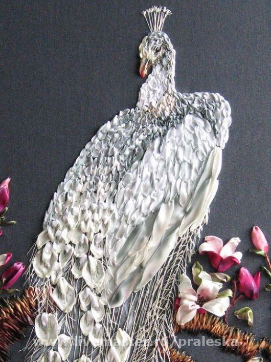 Животные ручной работы. Ярмарка Мастеров - ручная работа. Купить картинаБелый павлин в цветах магнолии.Вышивка лент. Handmade. Белый