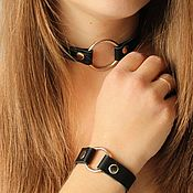 Комплекты украшений ручной работы. Ярмарка Мастеров - ручная работа Чокер с кольцом и  браслет из натуральной кожи. Handmade.