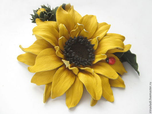 цветы из кожи, брошь цветок желтый, подсолнух из кожи заколка.  цветы ручной работы, украшение в прическу из кожи, кожаные изделия, кожаные аксессуары, подсолнух кожаный,  ободок с цветком, обруч для