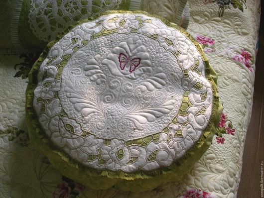 Текстиль, ковры ручной работы. Ярмарка Мастеров - ручная работа. Купить Декоративная подушка  с ришелье. Handmade. Текстильный дизайн