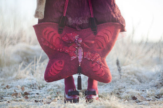 Женские сумки ручной работы. Ярмарка Мастеров - ручная работа. Купить Арт сумка из войлока с вышивкой. Handmade. Сумка, сказка