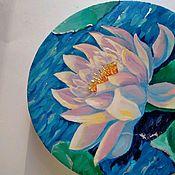 Картины ручной работы. Ярмарка Мастеров - ручная работа Круглая картина вода в пруду кувшинка цветок с золотом. Handmade.