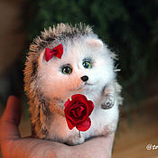 Куклы и игрушки handmade. Livemaster - original item Hedgehog with a flower girl. Handmade.