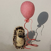 Куклы и игрушки ручной работы. Ярмарка Мастеров - ручная работа Ёжик с розовым шариком. Handmade.