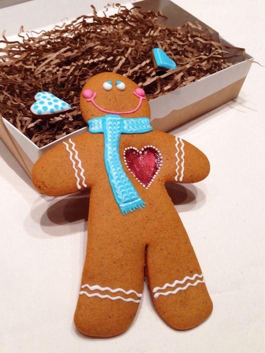 Кулинарные сувениры ручной работы. Ярмарка Мастеров - ручная работа. Купить Имбирное печенье Большой человечек с сердцем. Handmade.