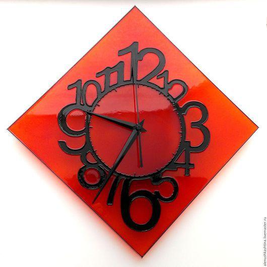 """Часы для дома ручной работы. Ярмарка Мастеров - ручная работа. Купить Часы настенные """"Морковные"""". Handmade. Рыжий, Витражная роспись"""