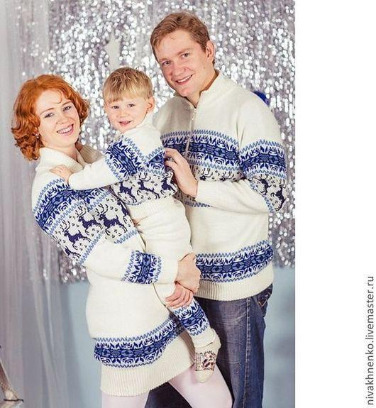 Кофты и свитера ручной работы. Ярмарка Мастеров - ручная работа. Купить Вязаный свитер и платье  с оленями. Норвежский  комплект. Handmade.