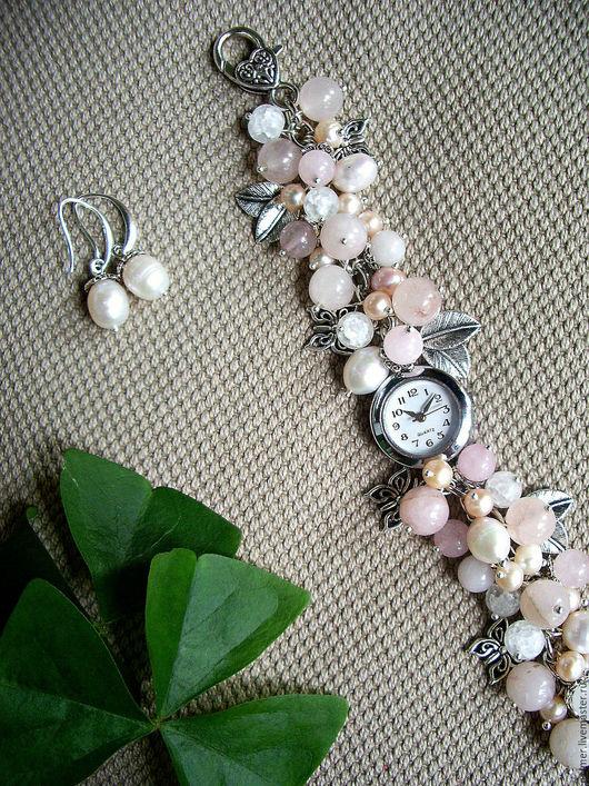 Часы ручной работы. Ярмарка Мастеров - ручная работа. Купить Часы (+подарок) Пудровая нежность. Handmade. Кварцевые часы