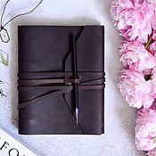 Канцелярские товары handmade. Livemaster - original item Leather notebook on the rings with a strap winding. Handmade.
