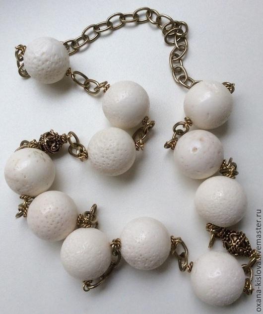 """Колье, бусы ручной работы. Ярмарка Мастеров - ручная работа. Купить Бусы """"Дикарка"""" белый коралл. Handmade. Белый, коралл"""