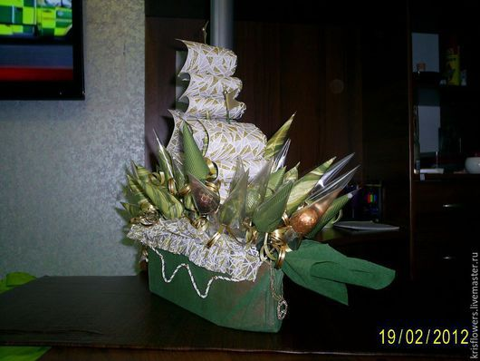 Букеты ручной работы. Ярмарка Мастеров - ручная работа. Купить корабль из конфет. Handmade. Разноцветный, цветочная композиция, бумажные цветы