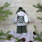 """Куклы и игрушки ручной работы. Ярмарка Мастеров - ручная работа Вязаный заяц """"Кузя"""". Handmade."""