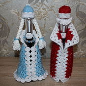 Подарки к праздникам ручной работы. Ярмарка Мастеров - ручная работа Дед мороз и снегурочка на бутылку шампанского. Handmade.