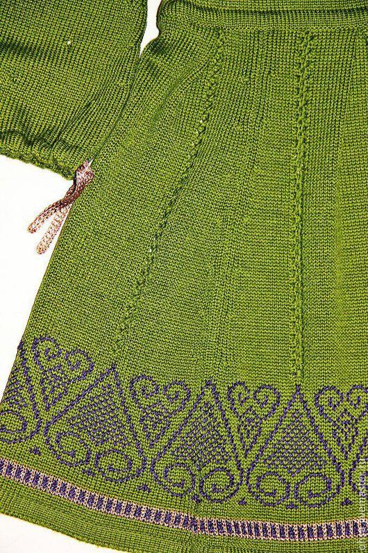 Одежда для девочек, ручной работы. Ярмарка Мастеров - ручная работа. Купить Вязаное платье с золотыми шнурочками и орнаментом для девочки. Handmade.