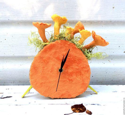 Часы для дома ручной работы. Ярмарка Мастеров - ручная работа. Купить Часы с лисичками. Handmade. Рыжий, осень, часы с лисичками