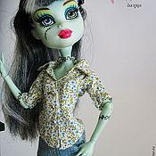 Куклы и игрушки ручной работы. Ярмарка Мастеров - ручная работа Джинсы, рубашка, жилет для Monster High (Монстр Хай или Монстер Хай). Handmade.