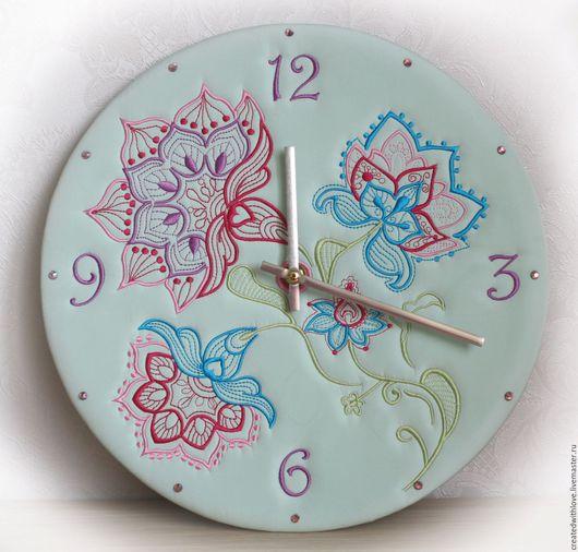 """Часы для дома ручной работы. Ярмарка Мастеров - ручная работа. Купить Часы """"Нежность"""". Handmade. Мятный, вышивка, подарок, мягкие"""