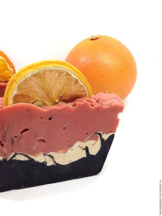 """Мыло ручной работы. Ярмарка Мастеров - ручная работа. Купить """" Грейпфрут & шоколад со сливками"""" натуральное мыло с нуля. Handmade."""