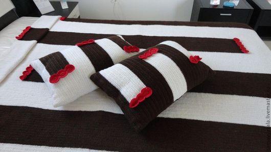 Текстиль, ковры ручной работы. Ярмарка Мастеров - ручная работа. Купить Большой вязаный  плед (покрывало) с подушками - Белый шоколад. Handmade.