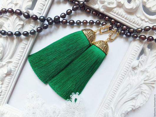 """Серьги ручной работы. Ярмарка Мастеров - ручная работа. Купить Серьги - кисточки """"Bright green"""". Handmade. Серьги, серьги кисточки"""