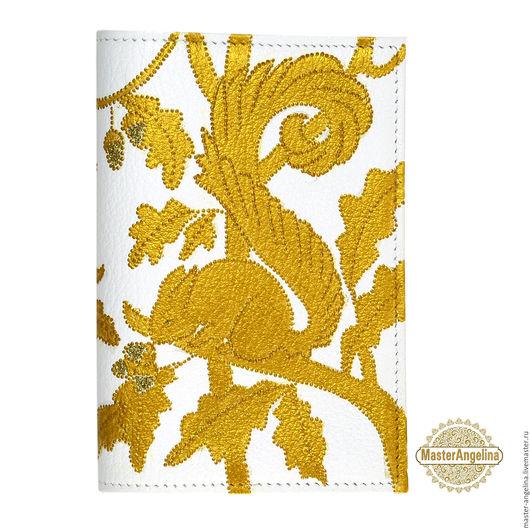 Обложки ручной работы. Ярмарка Мастеров - ручная работа. Купить «Золотые белочки» кожаная обложка для паспорта.  Авторская роспись... Handmade.