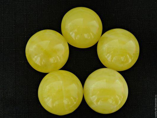 КЯИМ-20-01 кабошон янтарь имитация размер 20*20*7мм
