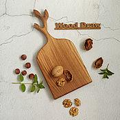 Посуда handmade. Livemaster - original item Cutting board made of oak with a small sprig. Free shipping. Handmade.