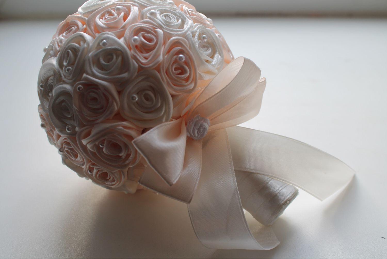 Подобрать букет для невесты из атласных лент розы, цветов