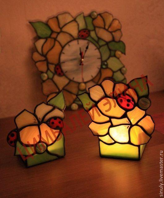 """Часы для дома ручной работы. Ярмарка Мастеров - ручная работа. Купить Витражные часы""""Желтый блюз"""" и подсвечники)). Handmade. Часы, подарок"""