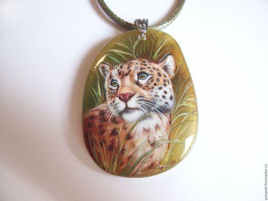 Кулон `Леопард` миниатюрная роспись по камню.