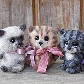 """Куклы и игрушки ручной работы. Ярмарка Мастеров - ручная работа Игрушки из шерсти """"Кошки на ладошке"""". Handmade."""