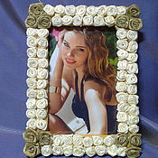 Сувениры и подарки ручной работы. Ярмарка Мастеров - ручная работа Фоторамка женская  Роза-розы из ткани. Handmade.