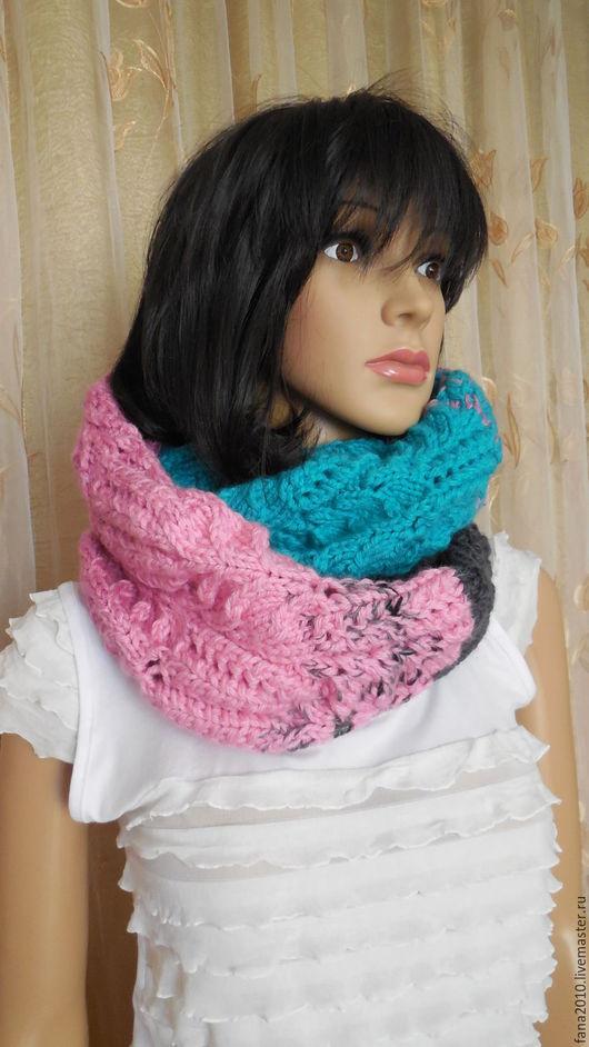 Шали, палантины ручной работы. Ярмарка Мастеров - ручная работа. Купить Снуд-шарф из объёмной полушерсти с эффектом деграде. Handmade.